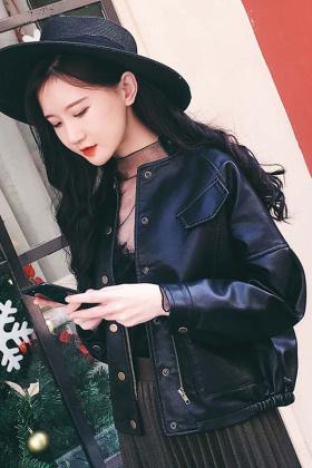 黑色中长款皮衣配搭配图片 黑色中长款皮衣配怎么搭配 黑色中长款皮图片