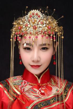 古装新娘头饰中式搭配图片 古装新娘头饰中式怎么搭配 古装新娘头饰图片