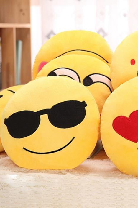可爱表情抱枕公仔卡通睡觉枕头靠垫萌emoji软绵绵 男女生日礼物
