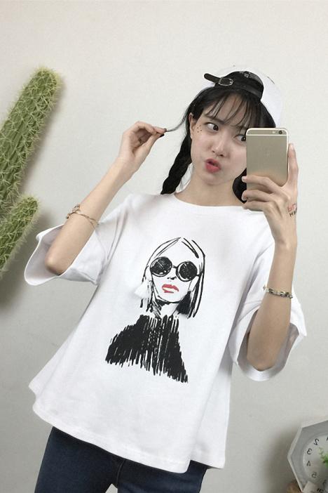【夏季韩范时尚手绘人物印花宽松t恤