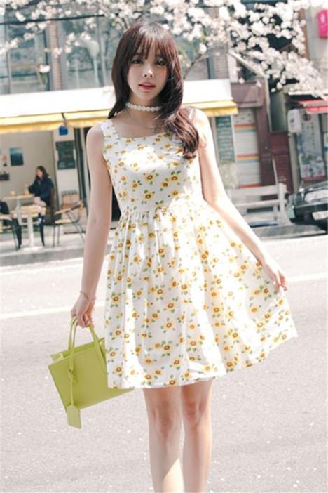 小清新雏菊花朵吊带连衣裙