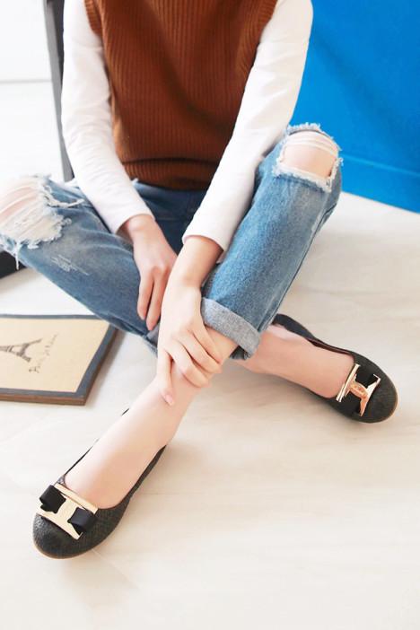 【馒头君】新潮压花蛇纹立体蝴蝶结蛇纹单鞋真皮豆豆鞋透气蛋卷鞋