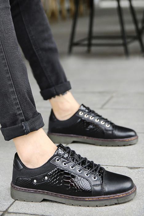 秋季新款时尚复古男士休闲蛇皮纹皮鞋