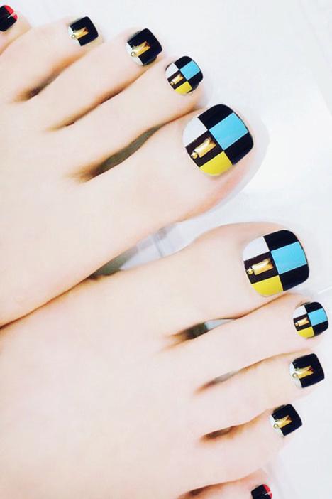 蓝黑格子脚指甲贴片_小熊美甲_美丽说图片