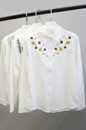 春季新款森系文艺风刺绣小花清新学生百搭显瘦白衬衣韩版长袖衬衫